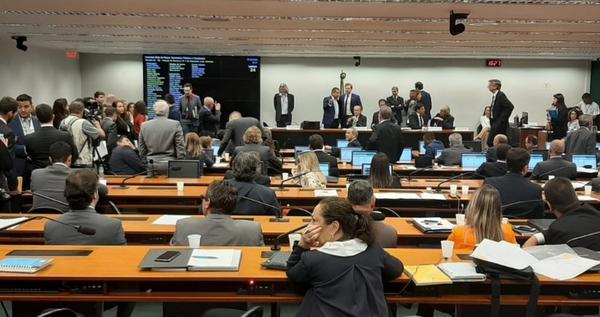 Comissão aprova aumento, e fundo eleitoral pode chegar a R$ 3,8 bilhões em 2020