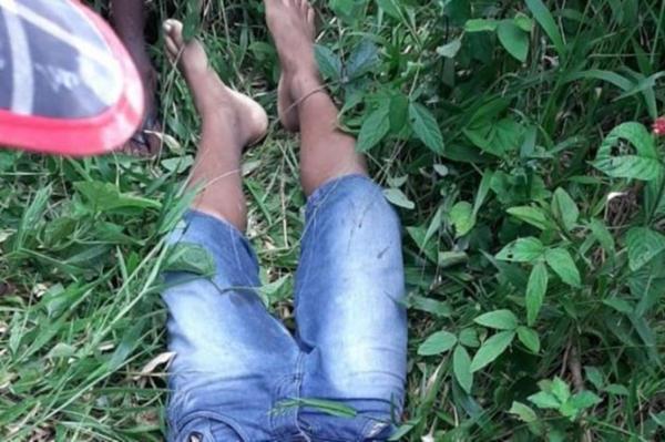Menino de 13 anos colhe fruta em sítio e é morto a tiro por caseiro