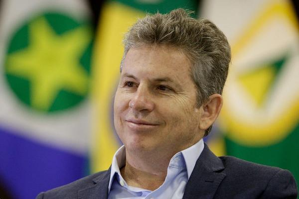 Governador sanciona lei que cria verba indenizatória de R$ 35 mil aos conselheiros do TCE-MT