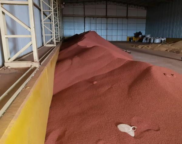 Polícia Civil de Sorriso apreende em fazenda de Ipiranga do Norte 155 toneladas de fertilizantes sem comprovação