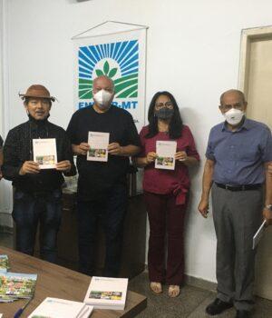 Empaer lança cartilhas técnicas sobre flores tropicais e processamento de mandioca para agricultores de MT