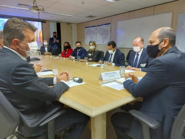Em Brasília, Ari Lafin e prefeitos da região cobram duplicação da BR-163