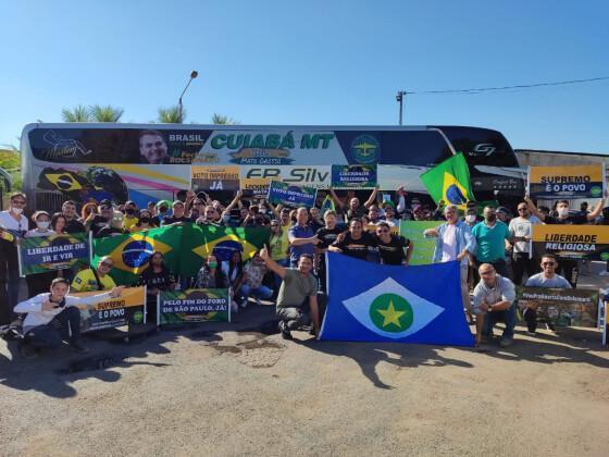 Comitiva com 29 ônibus de MT vai a Brasília pedir voto impresso