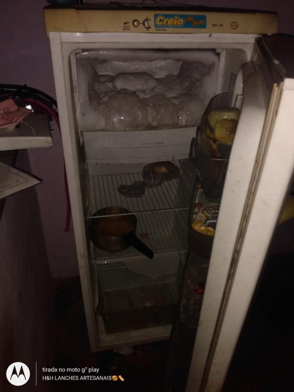 Mãe de criança que se escondeu dentro de geladeira durante incêndio é presa por abandono de incapaz