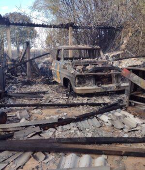 Sorriso: Carros e mecânica são distruídos em grande incêndio na zona rural