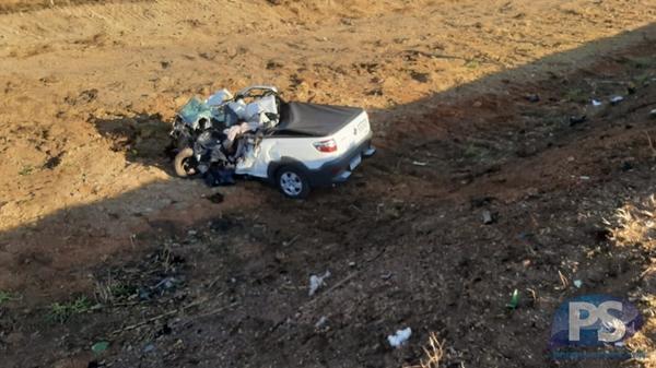 Homem morre após colisão entre carro e carreta na BR-163 em Sorriso