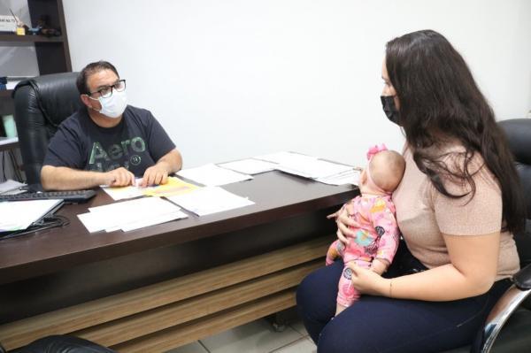 Mãe que operou bebê no útero para corrigir má formação da coluna pede apoio à Damiani para divulgar associação