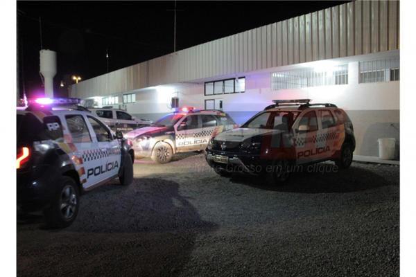 Servidor é preso acusado de bater e ameaçar esposa de morte em Cuiabá