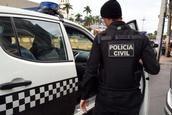 Três homens são detidos após desrespeitar trabalho da Polícia, ofender e ameaçar PMs durante operação
