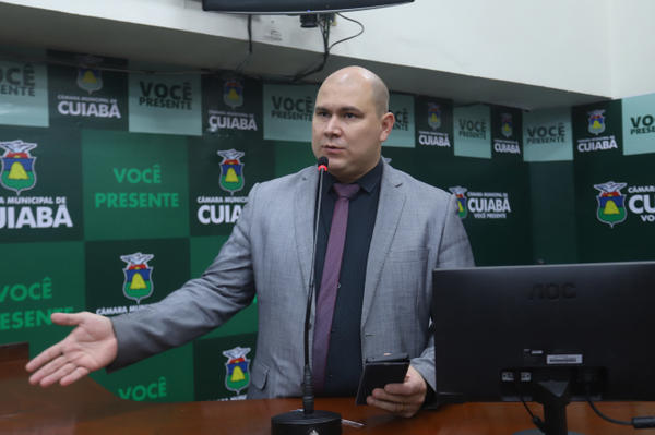 Justiça anula decisão da Câmara e derruba cassação de Abílio Júnior