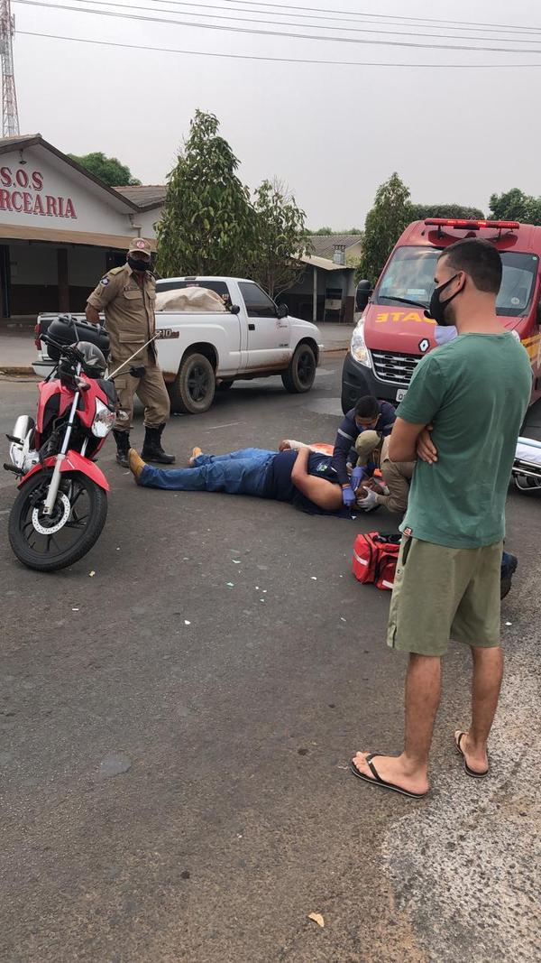 Motociclista fica ferido em acidente na perimetral do estádio