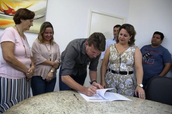 Prefeitura assina termo de fomento com a ONG Cirinho Sorrindo