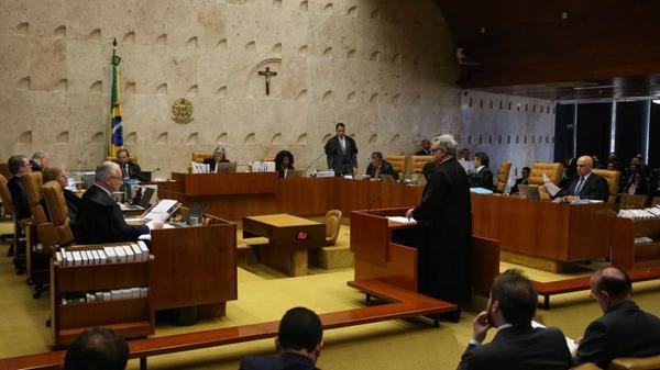 Governo deve propor projeto de lei para extinguir conselhos federais