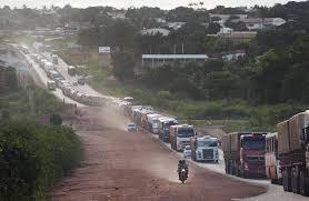 Caminhoneiros de Mato Grosso também são impedidos de trafegar na 163 no Pará interditada por garimpeiros